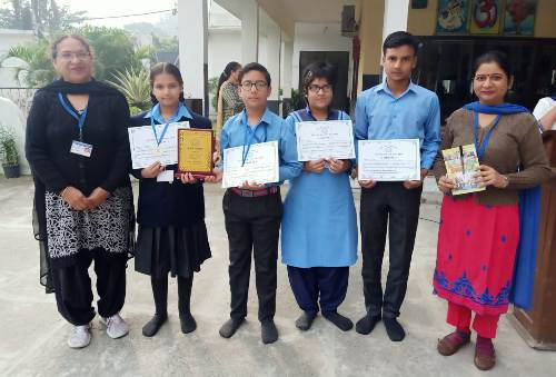 Bhartiyans clinch 2nd prize in the Bharat Ko Jano Quize Contest